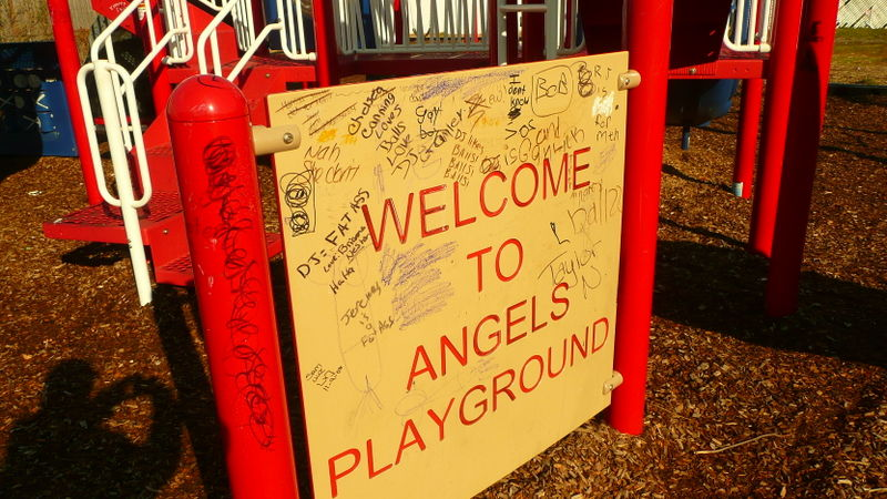 Angels playground dec. 2008 005