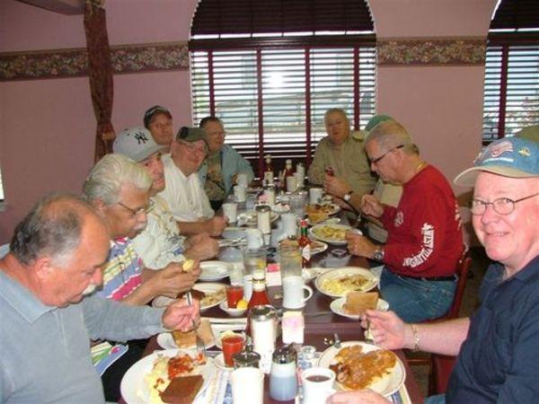 Breakfast_club_april_meeting_001